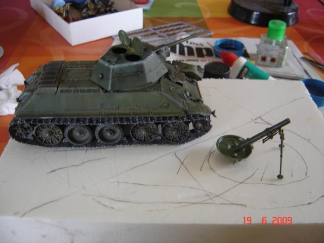 T-34 modèle 43 [Zvesda/Revell 1/35e] - Page 2 244035juin_2009_021