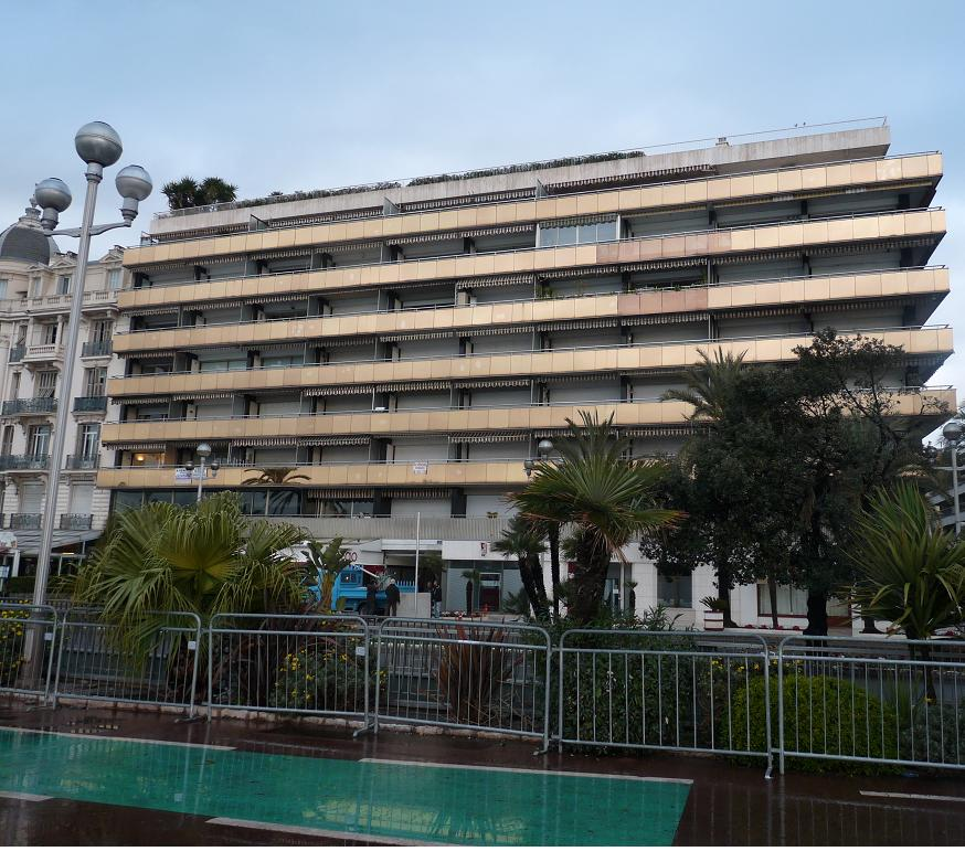 """UN PARFUM D"""" ITALIE :NISSA BELLA FAIT SON CARNAVAL DEVANT DES MERLUS DECON(FETTIS) FITS 1 A 0 327703P1060010"""
