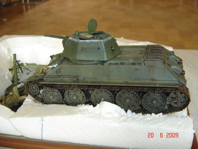 T-34 modèle 43 [Zvesda/Revell 1/35e] - Page 2 393678juin_2009_083