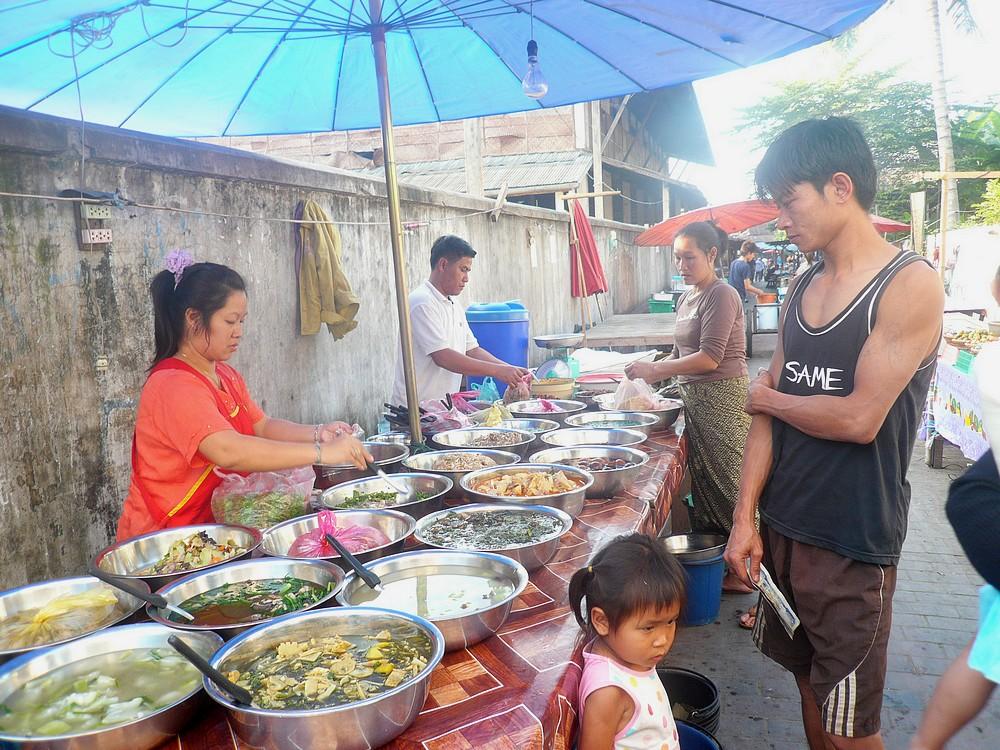 Les marchés 446948MARKET_HMONG_11