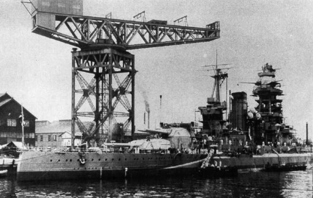 JAPON CUIRASSES CLASSE NAGATO 50459Mutsu_reconstruction_en_1936