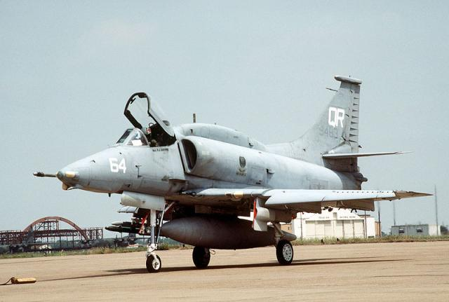 DOUGLAS A-4 SKYHAWK 586123A4_Skyhawk_5