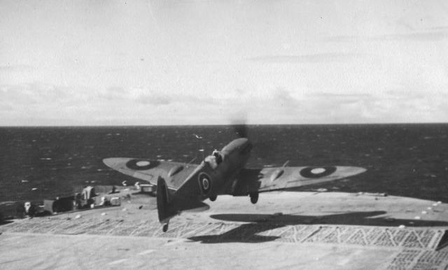 ROYAL NAVY PORTE AVIONS HMS FURIOUS 621245hms_furious_13