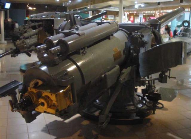 ROYAL NAVY PORTE AVIONS HMS FURIOUS 624696WNBR_55_50_mk1_Chester_pic