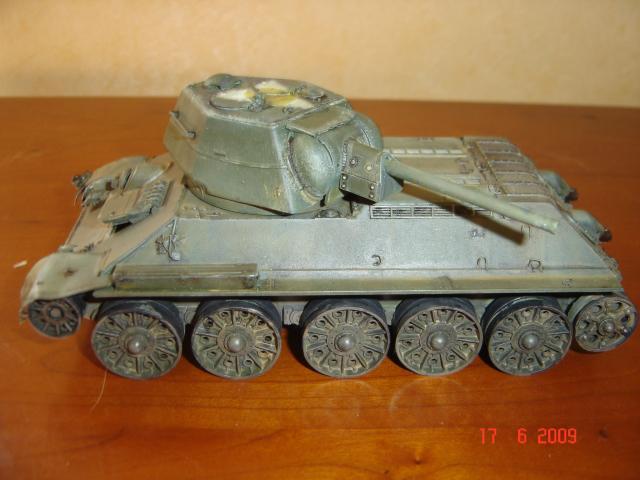 T-34 modèle 43 [Zvesda/Revell 1/35e] - Page 2 735793juin_2009_002