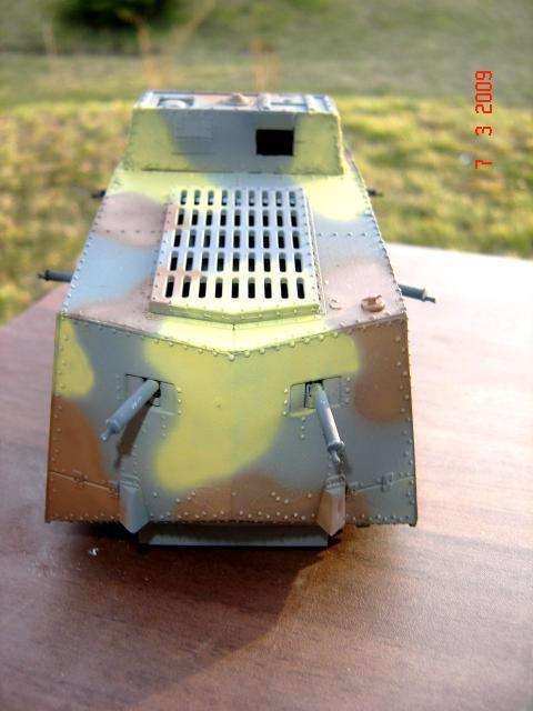 A7V [TAURO MODEL 1/35e] Le premier Panzer 753834mars_044