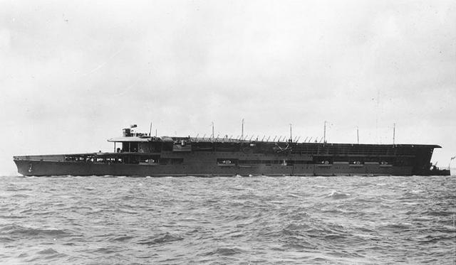 ROYAL NAVY PORTE AVIONS HMS FURIOUS 755698hms_furious_07