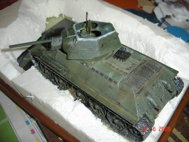 T-34 modèle 43 [Zvesda/Revell 1/35e] - Page 2 872697juin_2009_035