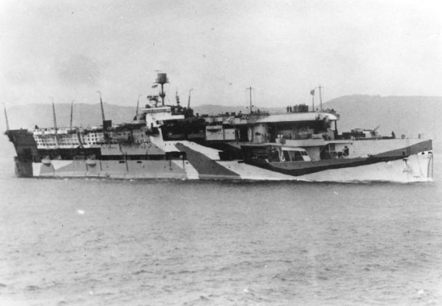 ROYAL NAVY PORTE AVIONS HMS FURIOUS 880219hms_furious_10