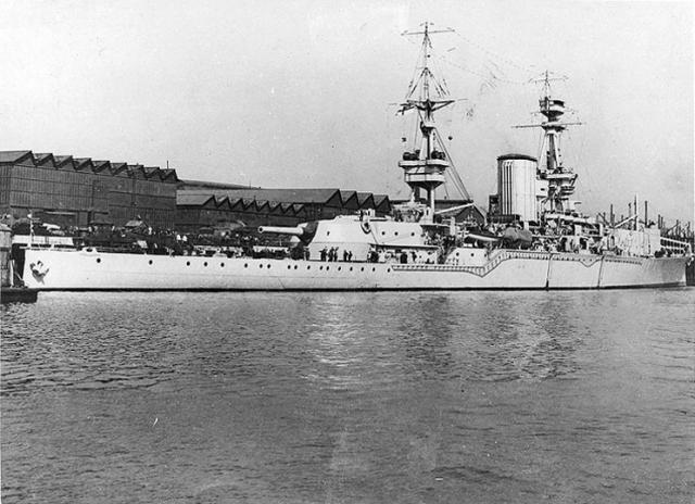 ROYAL NAVY PORTE AVIONS HMS FURIOUS 918450hms_furious_01
