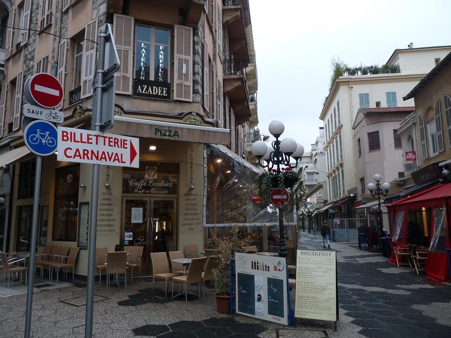 """UN PARFUM D"""" ITALIE :NISSA BELLA FAIT SON CARNAVAL DEVANT DES MERLUS DECON(FETTIS) FITS 1 A 0 949245P1050978"""