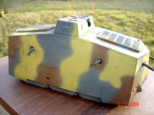 A7V [TAURO MODEL 1/35e] Le premier Panzer 955676mars_043
