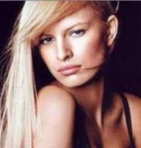 La suite des tops européens au top =) Mini_290199karolina_kurkova_hot