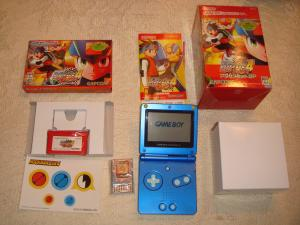 nyvek34 collection(petit retour sur le concert symphonic zelda a londres) Mini_83661gba_sp_rockman_exe_4_edition_blue_version