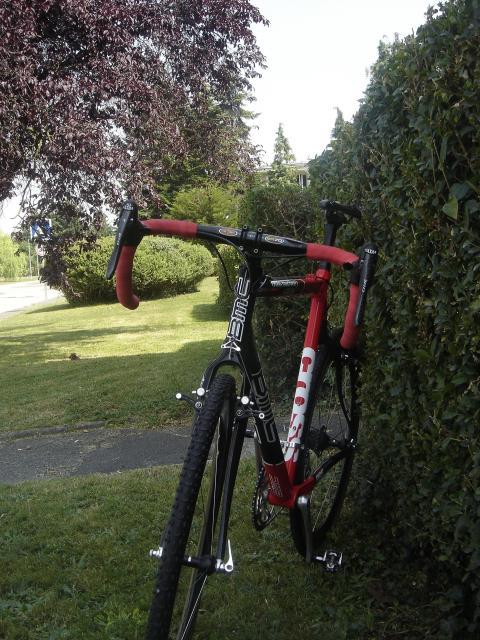 Présenter votre VTT ou vélo cyclo-cross - Page 4 104010DSC04564