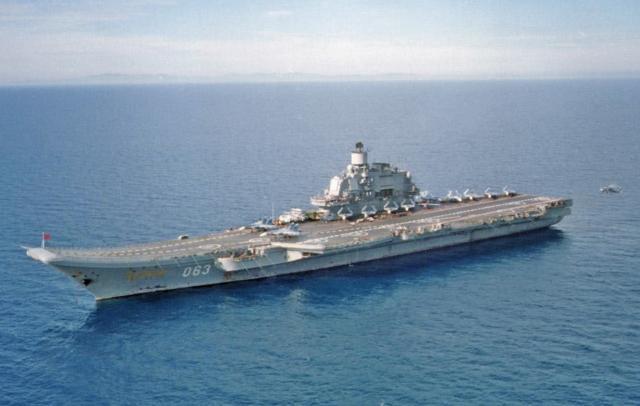 DES LIMBES DE L'HISTOIRE (2) : LES PORTE-AVIONS 107160Russian_aircraft_carrier_Kuznetsov_jpg