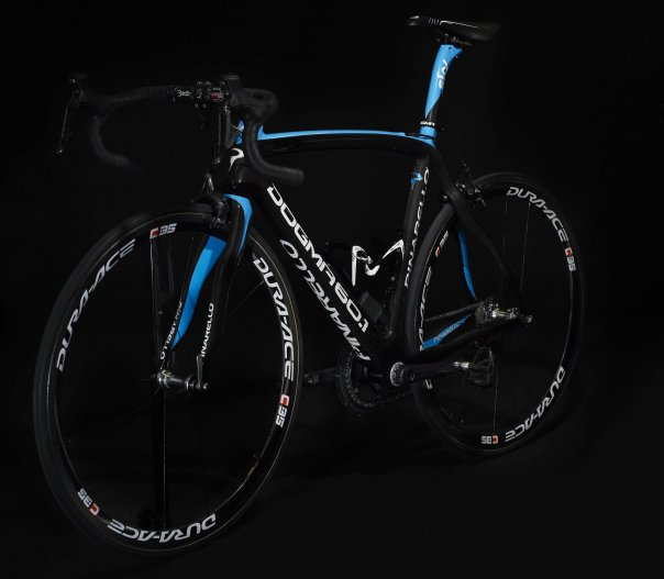 Les vélos (toutes marques) 204227team_sky_pinarello_dogma_bicycle_fb2