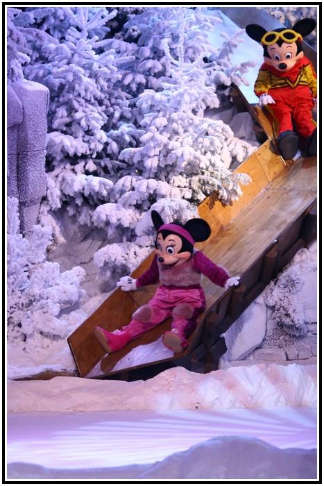 Spectacle Mickey et la magie de l'hiver 213619IMG_0100