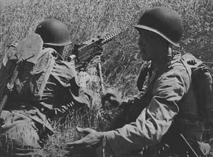 la mitrailleuse Cal.30 M1919A4 267501M1919_7