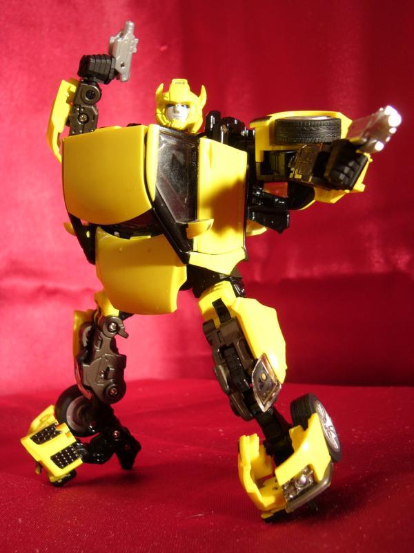 """Collection Nosfe """"Transformers & Hokuto No Ken & Cie"""" 274370Bumblebee_Alternity_bot_1"""