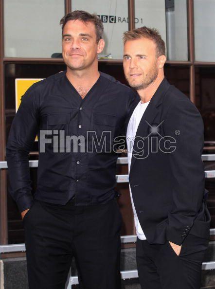 Robbie et Gary à la BBC Radio 1 26/08/210 - Page 2 276050103640118