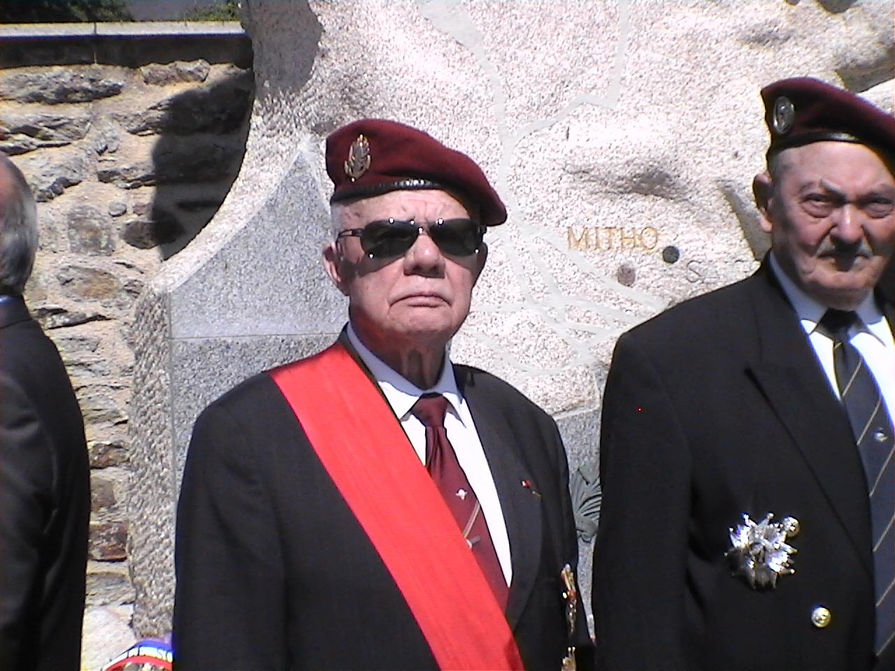 Cérémonie en hommage au Général BIGEARD au mémorial de Lauzach (56) 319749DVC02521