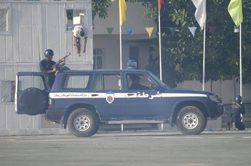 صور للشرطة الجزائرية  3208637057C2