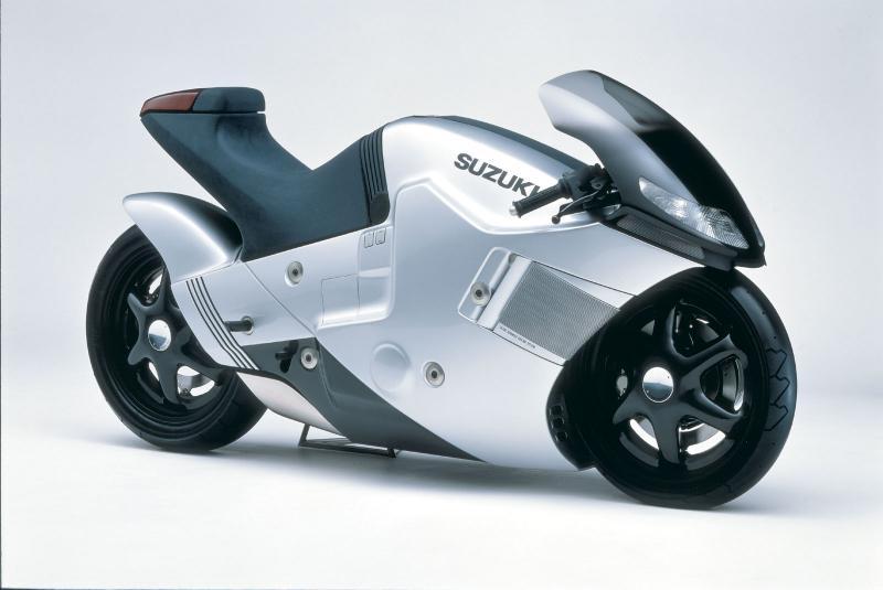 Concept/design/photomontage sur R  325926Suzuki_1986_NUDA01c