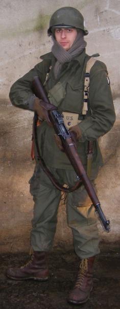 Moi en para (M43 pour Bastogne) 348672Dog_1