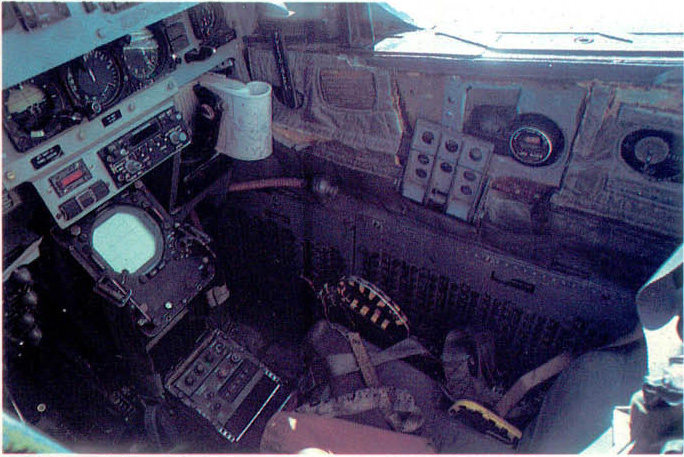 [MC1 - F4 Phantom] F-4N Phantom II Hasegawa 1/48 - TERMINE ! 354033f4nrear_console_d