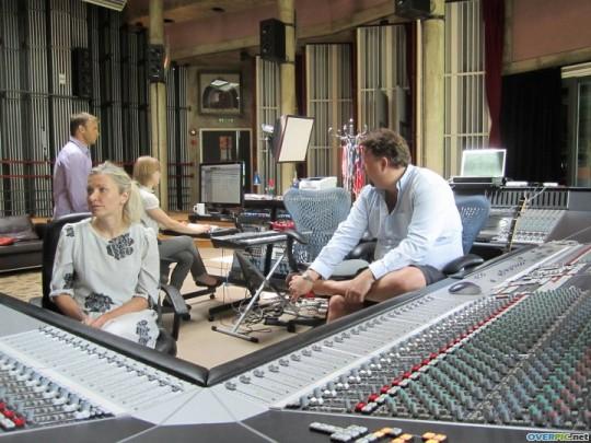 Gary au studio Real World rejoignant le projet lotus 06.10 356551x1kd7dosftan6kq03r9xm_s