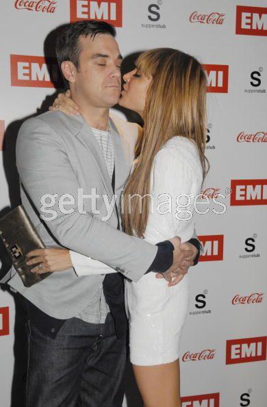 Brit Awards 2010 38113596765943