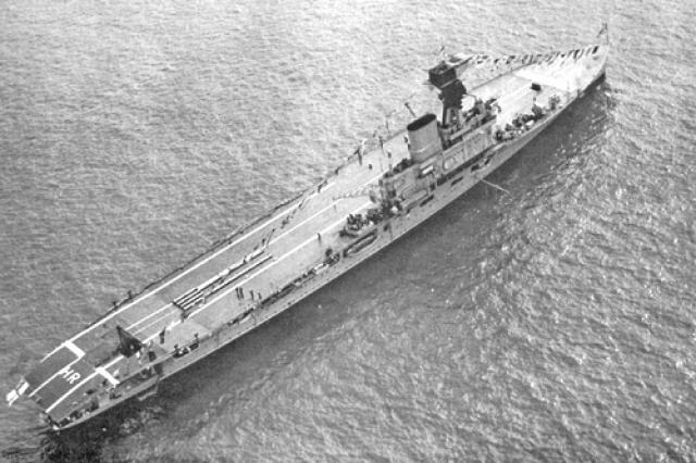 ROYAL NAVY PORTE AVIONS ARK ROYAL 426811HMS_Hermes___Spithead___1937