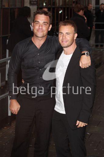 Robbie et Gary à la BBC Radio 1 26/08/210 46819421961652