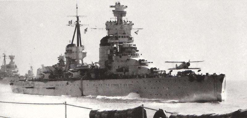 ITALIE CROISEURS LOURDS CLASSE TRENTO 495700Trento_1939