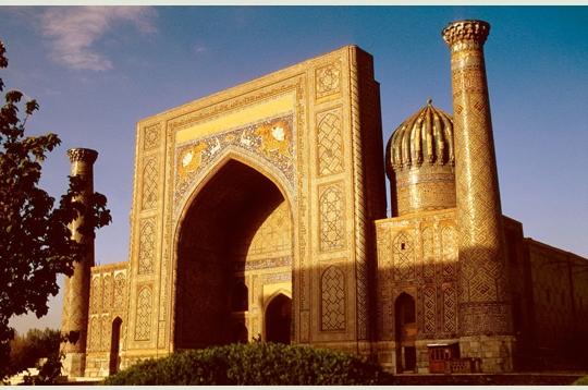 25 des plus belles mosquées du monde 518923place_reghistan_280353