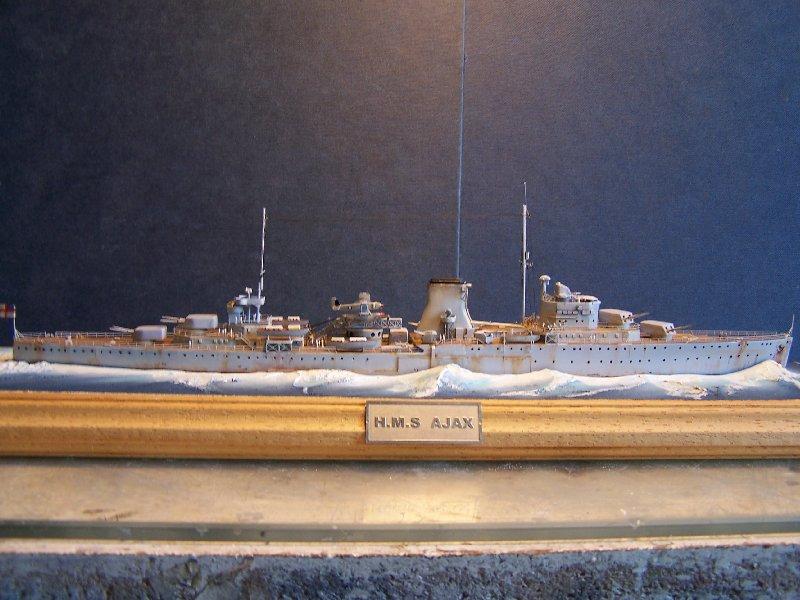 Un petit résumé de mon projet naval Airfix  1/600 544503kitsairifxraliss012