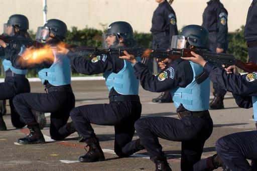 صور للشرطة الجزائرية  54865362473C2