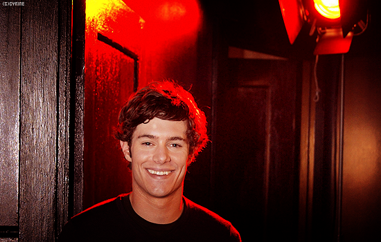 ► Adam Brody •  bro, i never thought you would be here... 571275asigna5