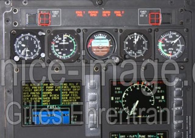 Breitling - Une montre de pilote d'Hélico... 571976ec_145_glass_cockpitp