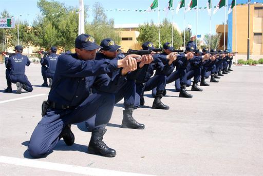 صور للشرطة الجزائرية  57215170826C2