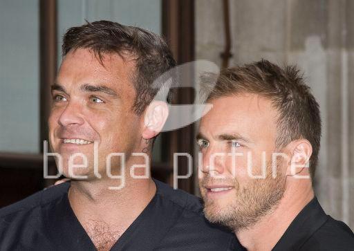 Robbie et Gary à la BBC Radio 1 26/08/210 58495521961718