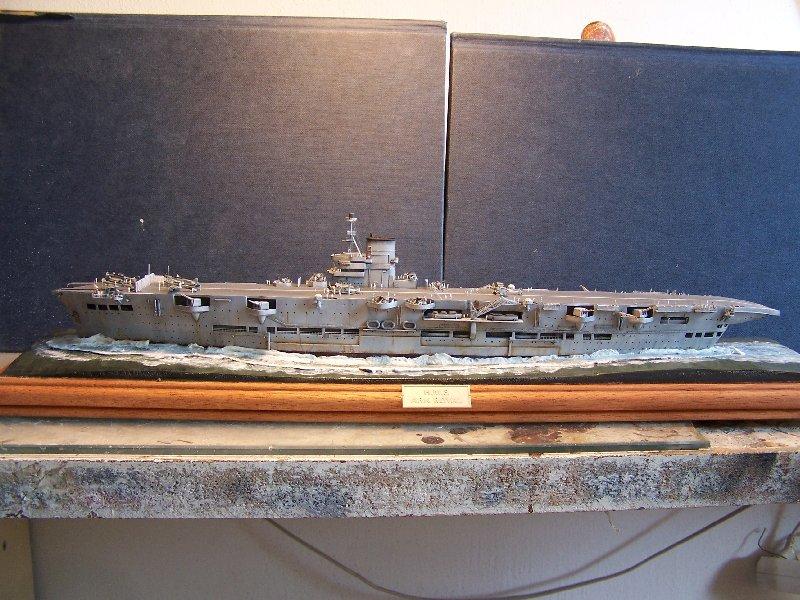 Un petit résumé de mon projet naval Airfix  1/600 590281hmsarkroyal040