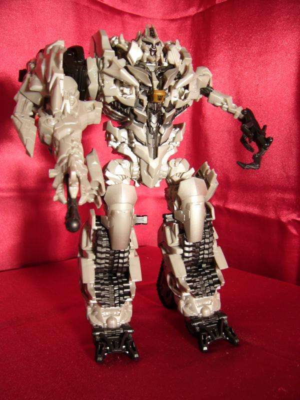 """Collection Nosfe """"Transformers & Hokuto No Ken & Cie"""" 611821Megatron_2_bot"""