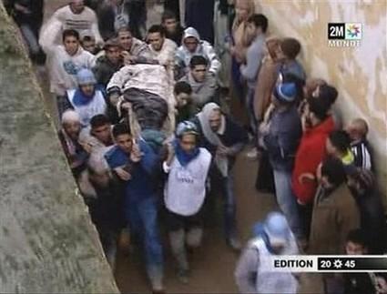 أزيد من 100 قتيل وجريح في انهيار مسجد بمكناس 660255meknesmos2