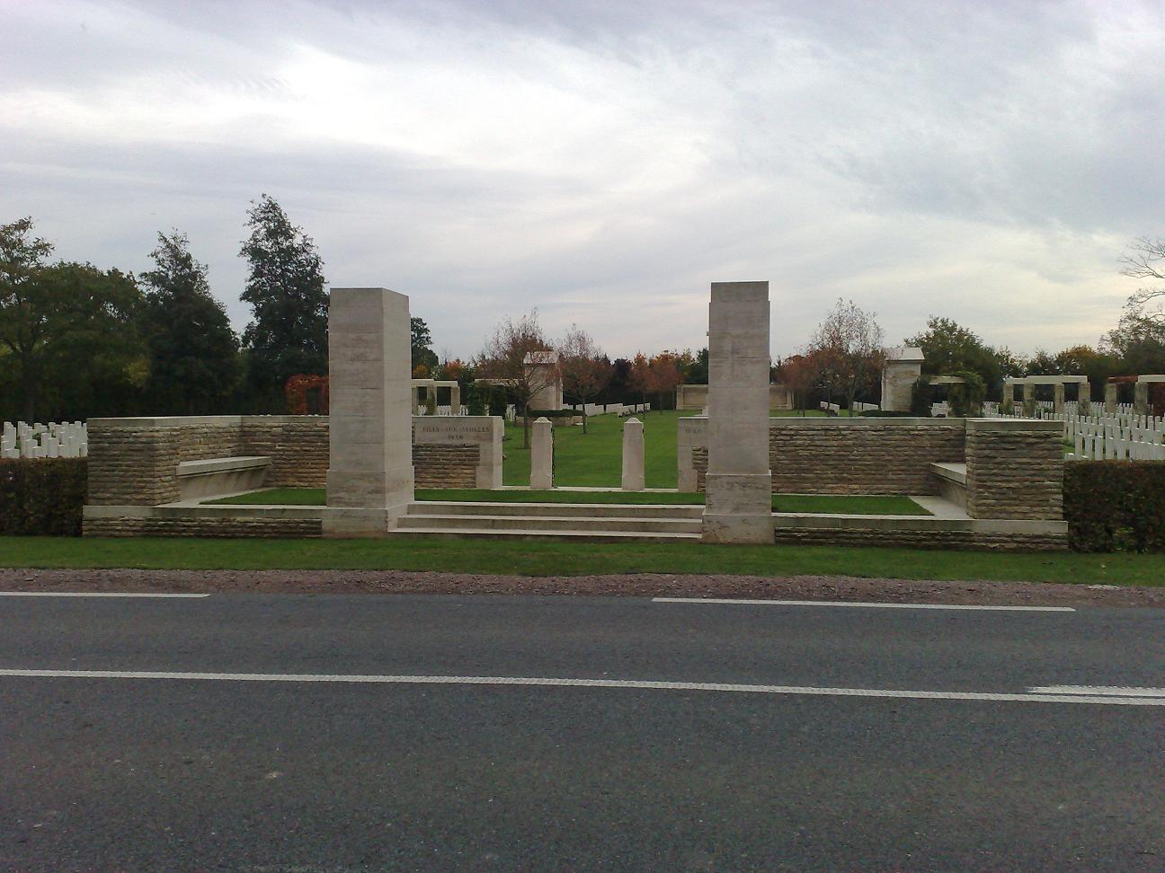visite des cimetières du commonwealth.  671372008_1