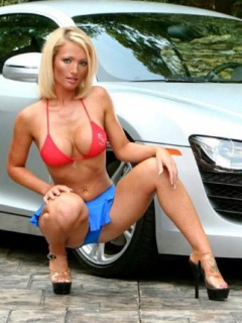 cars and girls  68196241