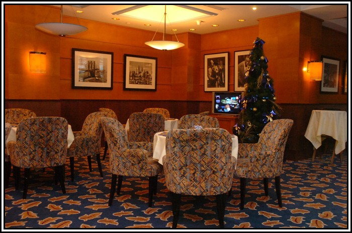 Disney's Hôtel New York - Page 3 69519Image006