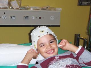 maman c est quoi un EEG ?????? 699085HPIM8250