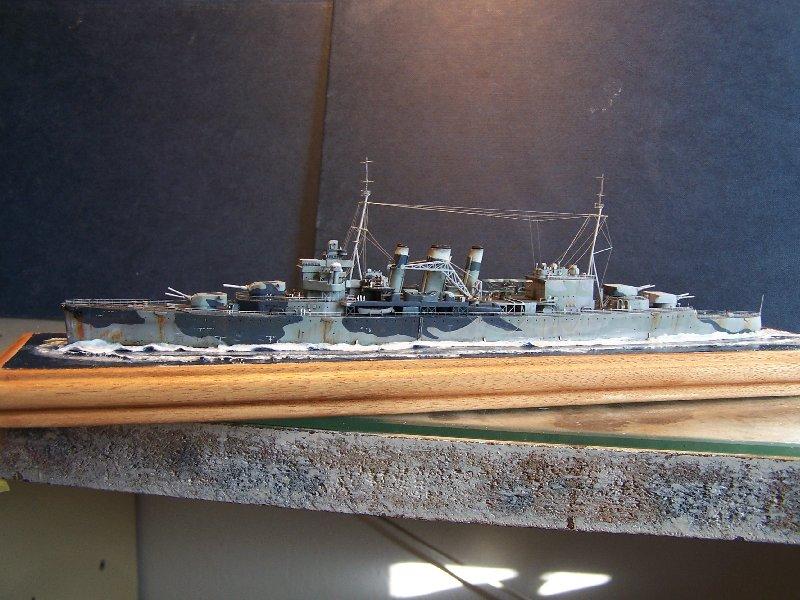 Un petit résumé de mon projet naval Airfix  1/600 719303hmssuffolk053